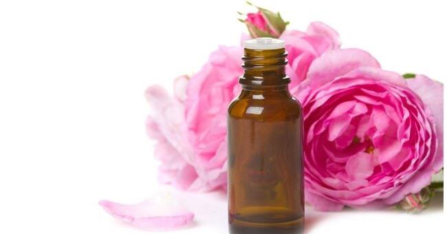 olio di rosa mosqueta contro rughe, acne e smagliature